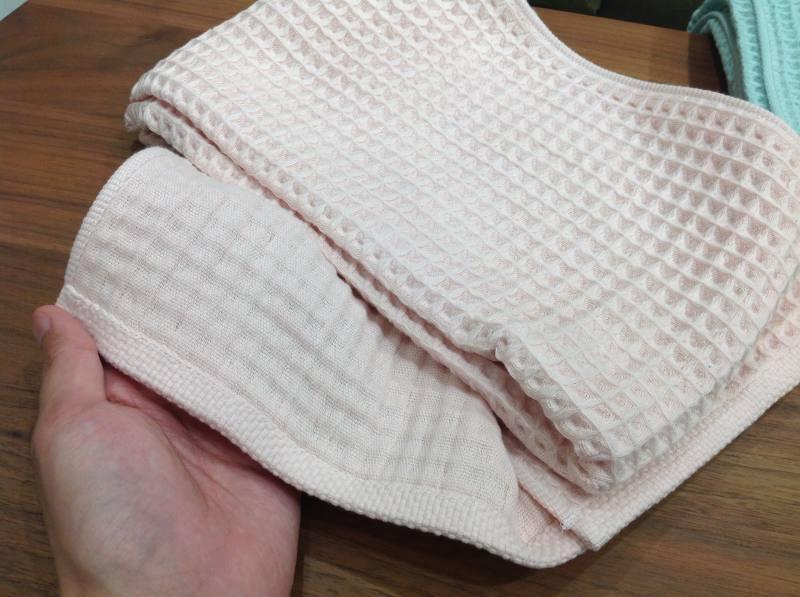 今治タオル 丁寧に手摘みされた上質コットンの肌触り。MADE IN JAPANの「今治タオル」 沖縄